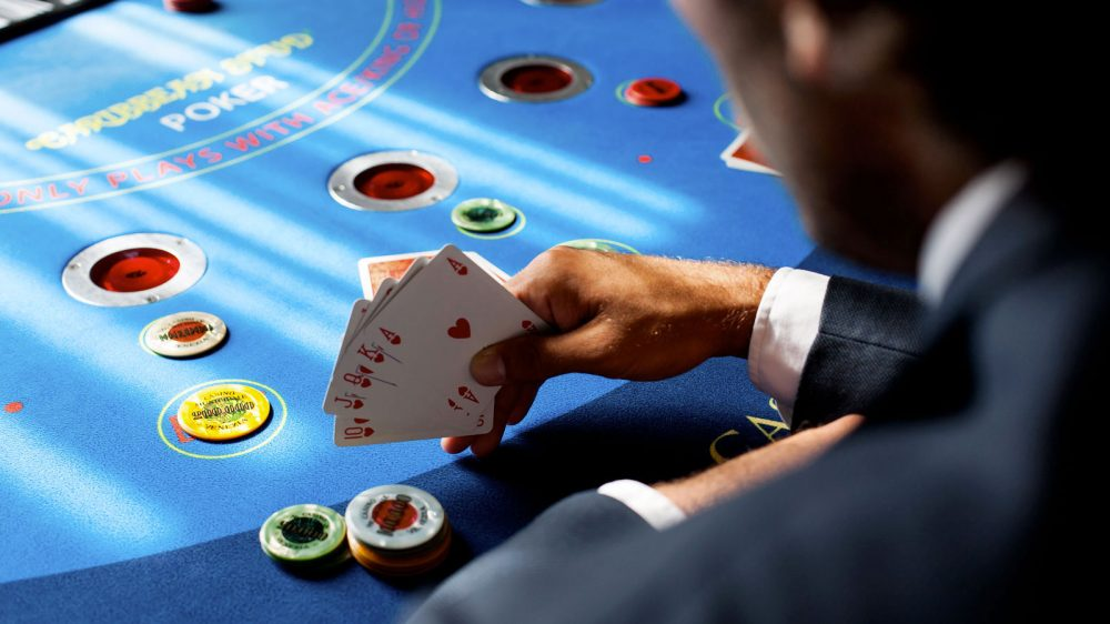 Generate Dollars With Internet Poker